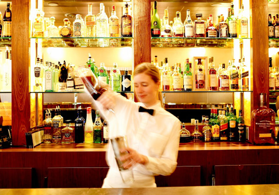 integrated bar, bartender